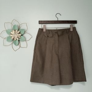 Vintage 80's high waisted pleated front Mom Shorts size 8